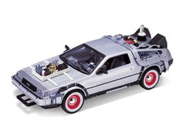 REGRESO AL FUTURO III DELOREAN LK COUPE '81 1/24