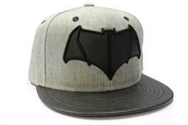 GORRA BATMAN V SUPERMAN BATMAN LOGO