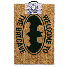 ALFOMBRA DC COMICS BATMAN WELCOME TO THE BATCAVE 40x60 CM