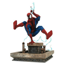 FIGURA MARVEL GALLERY SPIDERMAN TELARAÑA TEJADO 20 CM